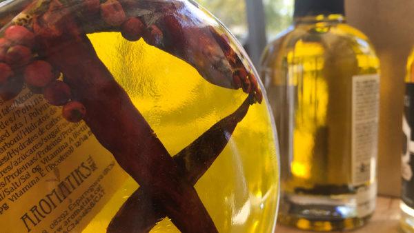 embotellado del Aceite de Oliva Virgen Extra Arbequina con la nueva cosecha